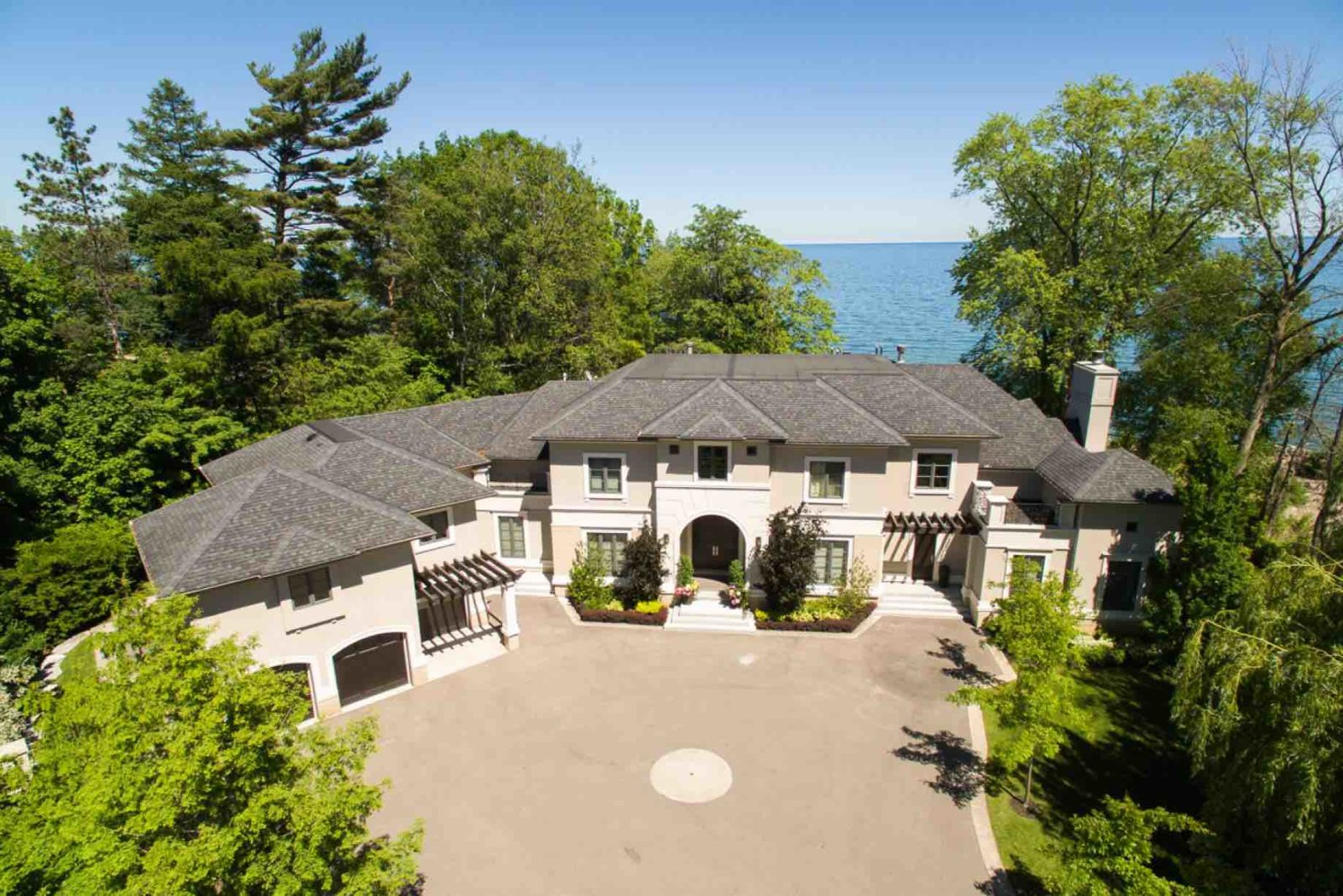 Luxury Lakefront Home exterior on Oakville Gold Coast of Lake Ontario