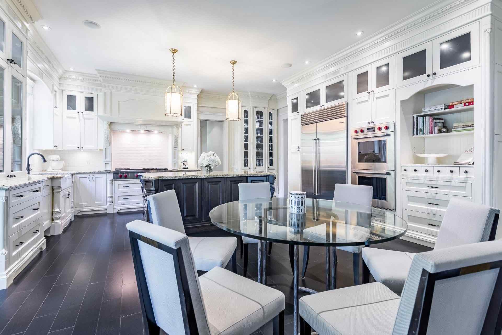 Kitchen of 334 Balsam Drive a luxury Georgian-style oakville real estate opportunity